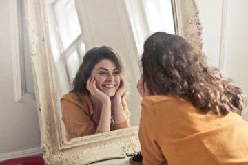 Det er sundt at smile. Kom til bunds sammen med din psykolog og få det bedre.